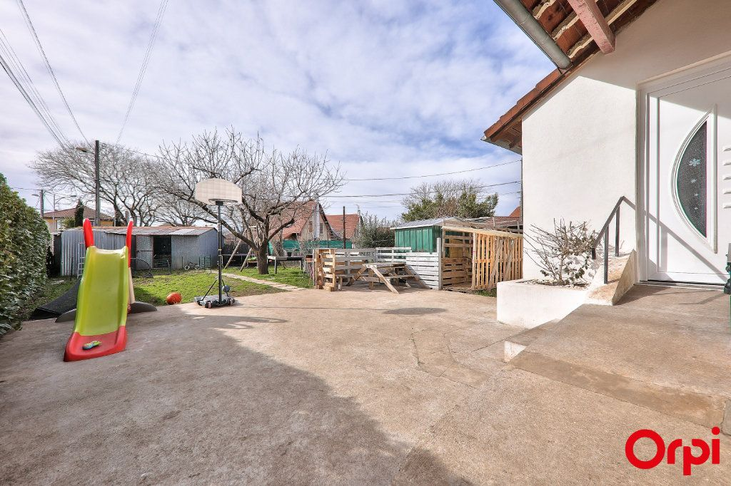 Appartement à vendre 3 62m2 à Vaulx-en-Velin vignette-9