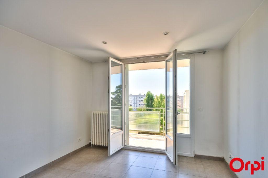 Appartement à vendre 3 52.41m2 à Vaulx-en-Velin vignette-13