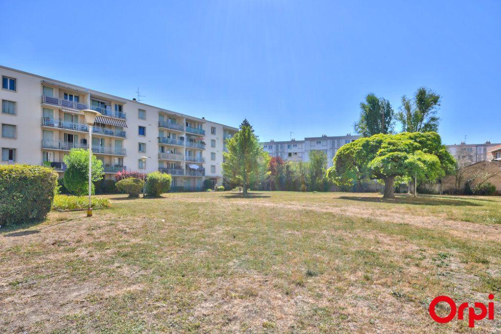 Appartement à vendre 3 52.41m2 à Vaulx-en-Velin vignette-15