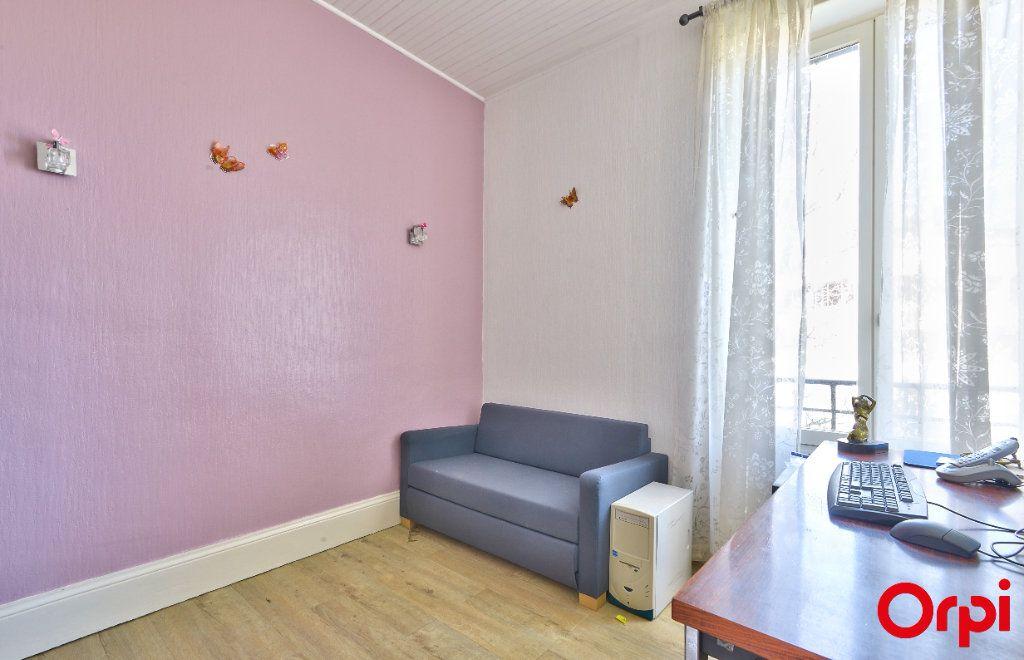 Maison à vendre 4 68m2 à Vaulx-en-Velin vignette-10