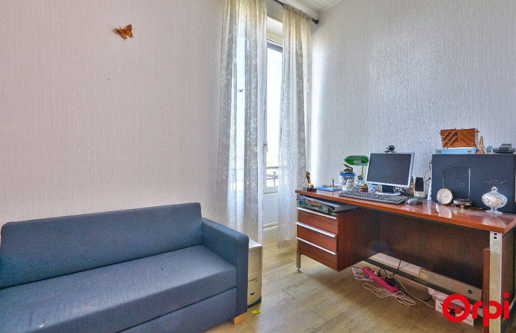 Maison à vendre 4 68m2 à Vaulx-en-Velin vignette-11
