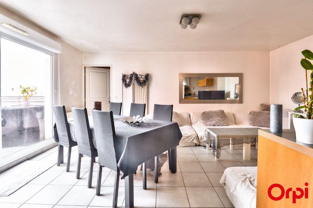 Appartement à vendre 4 81.49m2 à Vaulx-en-Velin vignette-2
