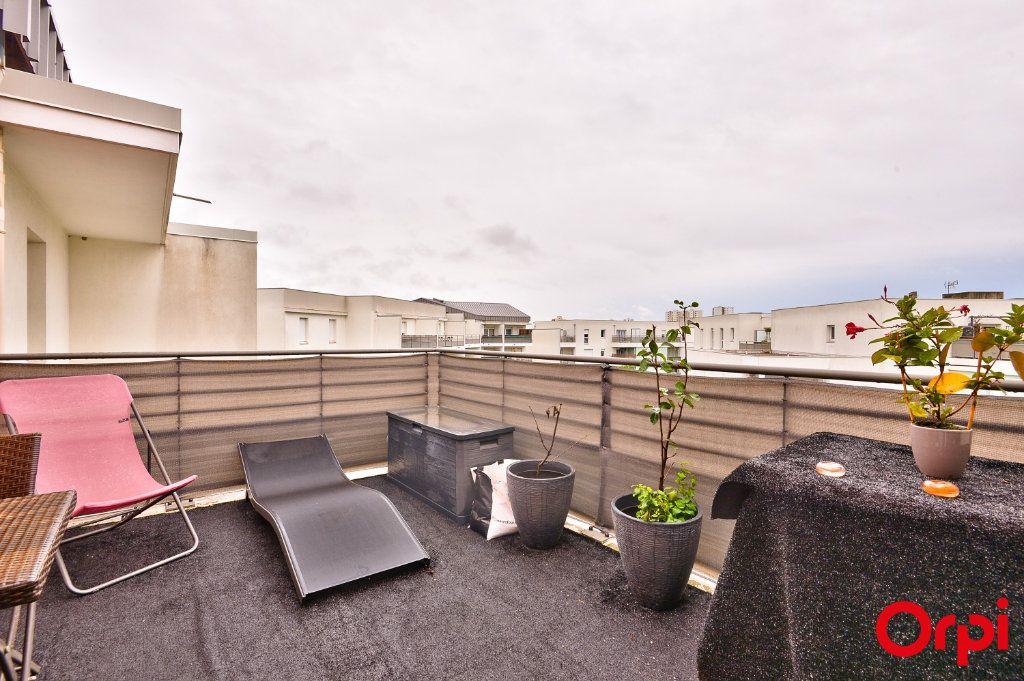 Appartement à vendre 4 81.49m2 à Vaulx-en-Velin vignette-10