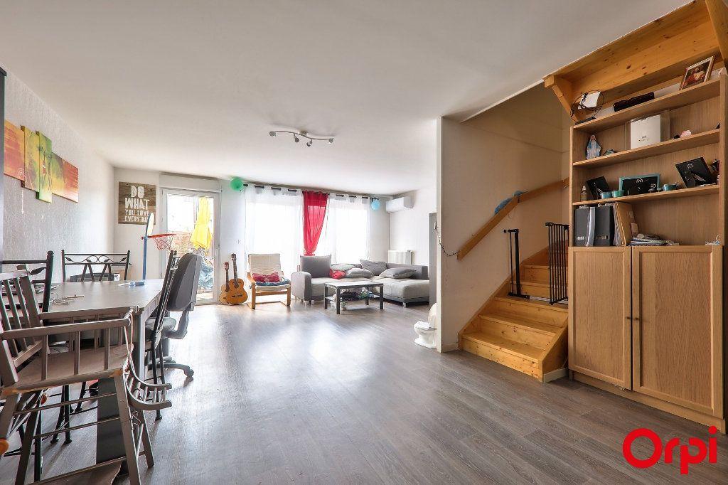 Maison à vendre 4 91.7m2 à Vaulx-en-Velin vignette-3