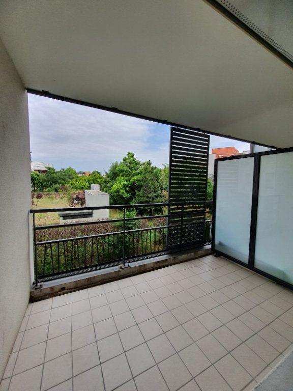 Appartement à louer 2 45.45m2 à Vaulx-en-Velin vignette-3
