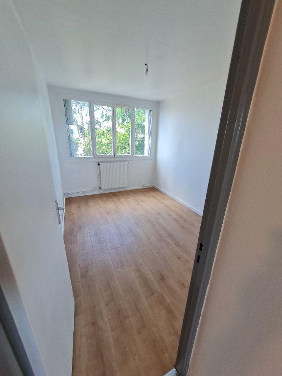 Appartement à louer 3 63.59m2 à Décines-Charpieu vignette-6