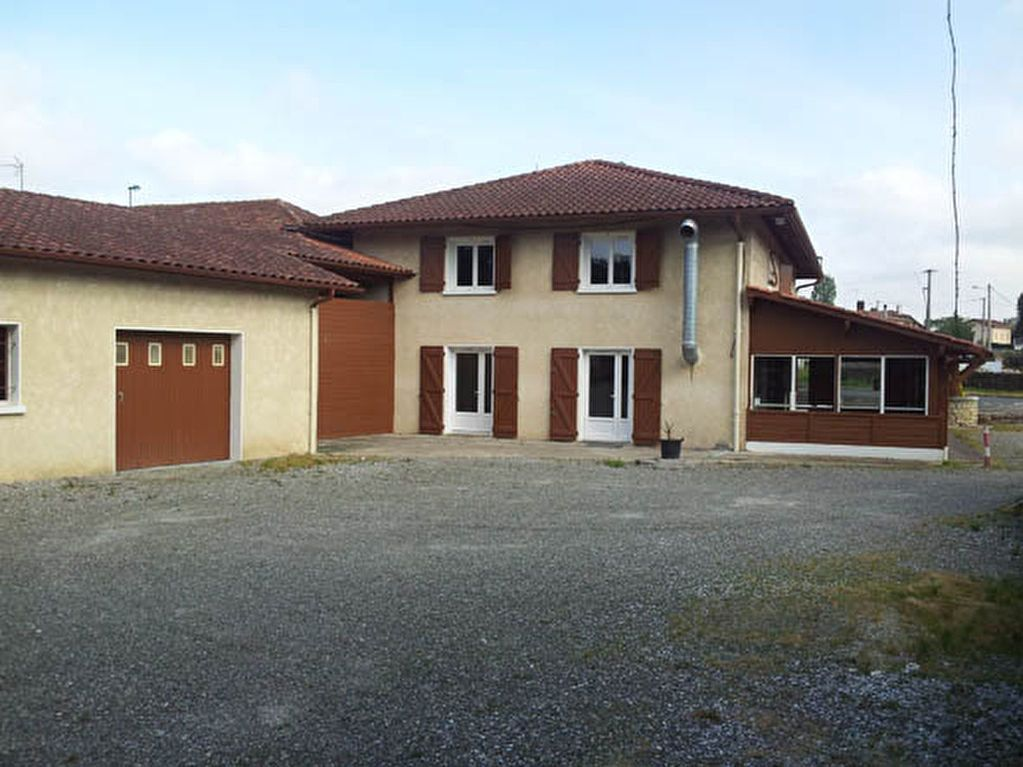 Maison à vendre 9 161.58m2 à Saint-André-de-Seignanx vignette-2