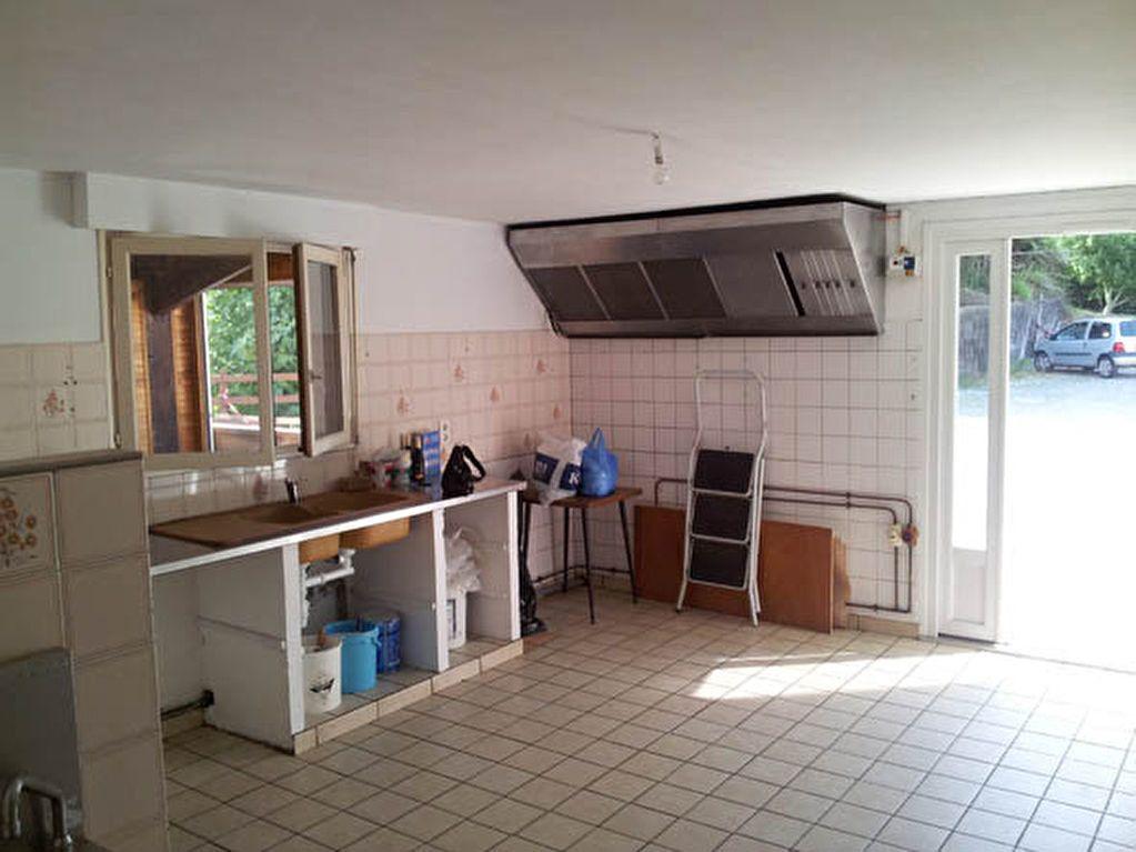 Maison à vendre 9 161.58m2 à Saint-André-de-Seignanx vignette-9