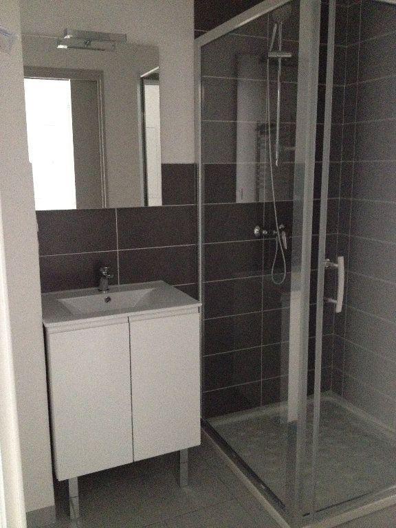 Appartement à louer 3 52.46m2 à Dax vignette-3