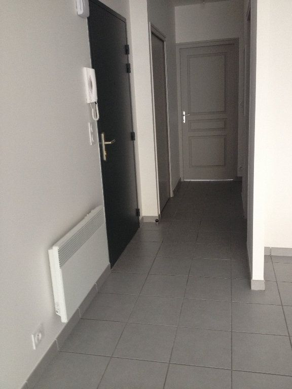 Appartement à louer 3 52.46m2 à Dax vignette-9