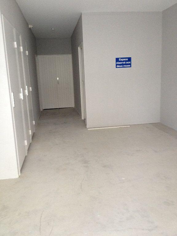 Appartement à louer 3 52.46m2 à Dax vignette-10