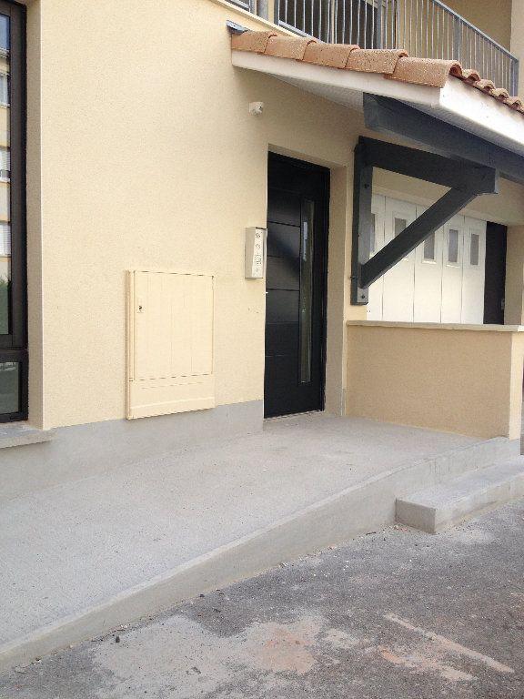 Appartement à louer 3 52.46m2 à Dax vignette-11