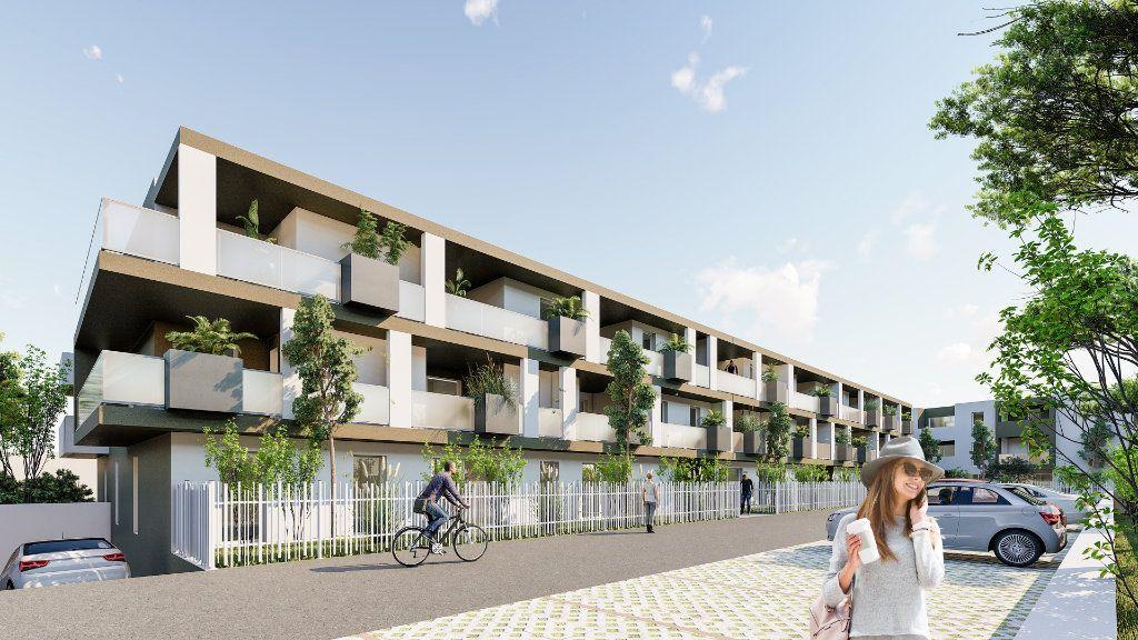 Appartement à vendre 4 122.05m2 à Frontignan vignette-3