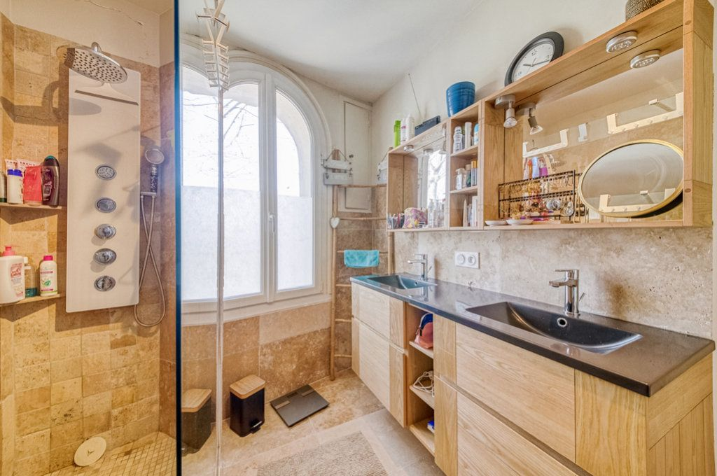 Appartement à vendre 5 111.22m2 à Frontignan vignette-2