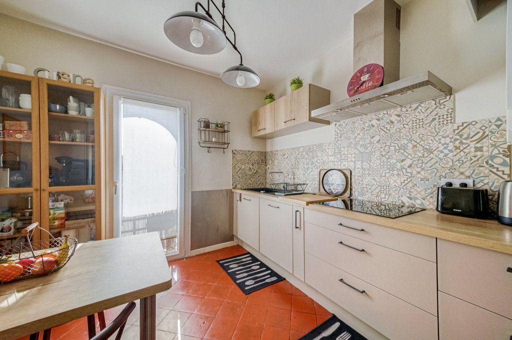 Appartement à vendre 5 111.22m2 à Frontignan vignette-3