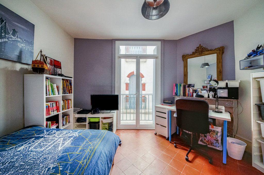 Appartement à vendre 5 111.22m2 à Frontignan vignette-8