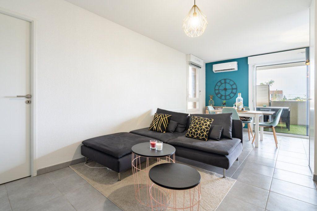 Appartement à vendre 3 61.2m2 à Frontignan vignette-2