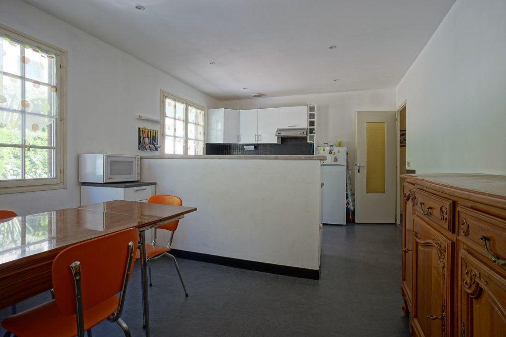 Maison à vendre 7 176m2 à La Crau vignette-4