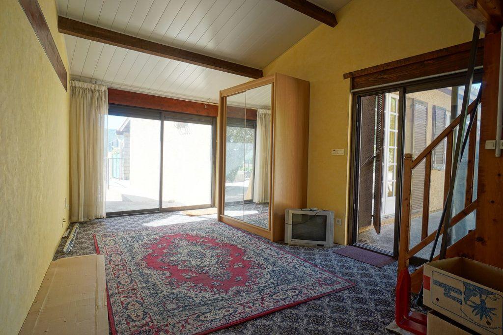 Maison à vendre 7 176m2 à La Crau vignette-5