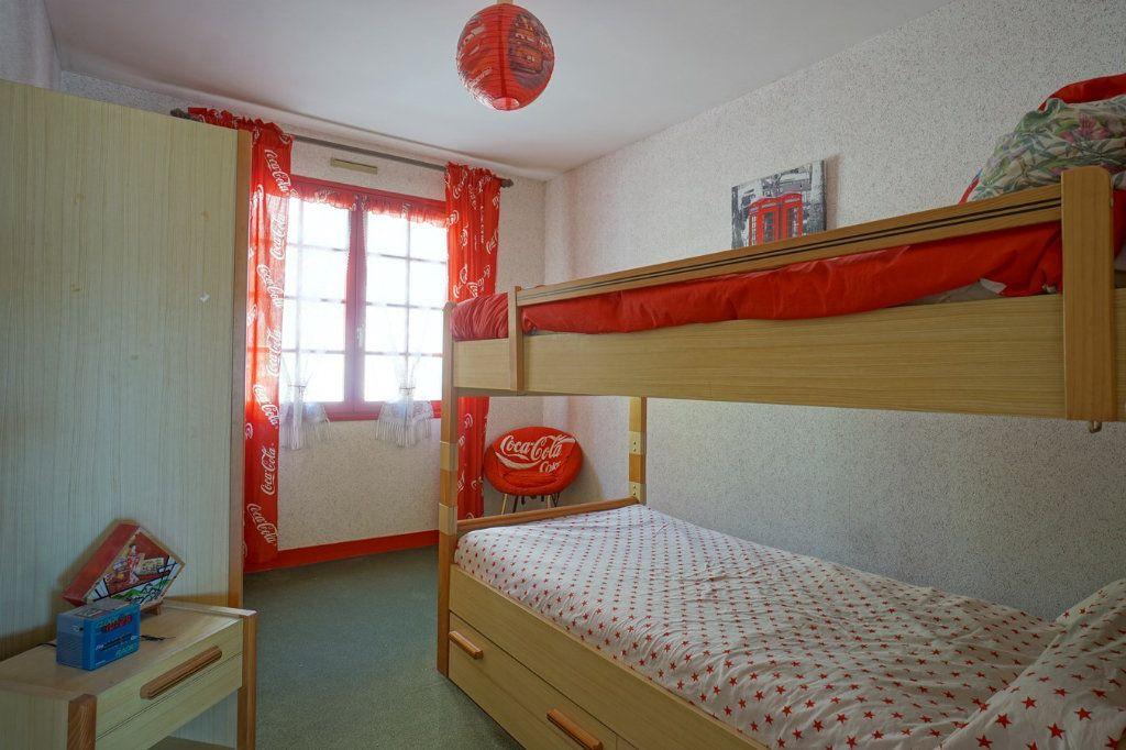 Maison à vendre 7 176m2 à La Crau vignette-6