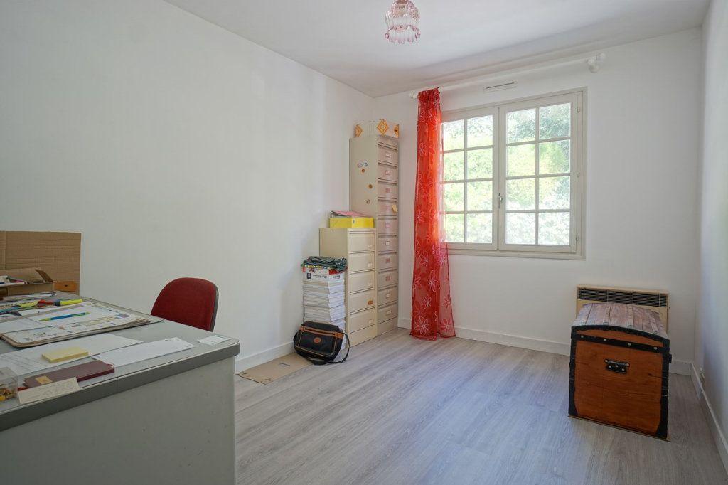 Maison à vendre 7 176m2 à La Crau vignette-8