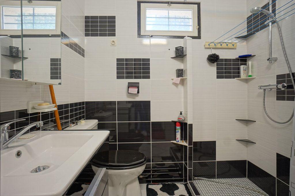 Maison à vendre 7 176m2 à La Crau vignette-12