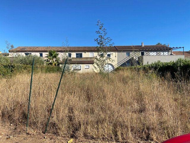 Maison à vendre 7 208m2 à La Londe-les-Maures vignette-3