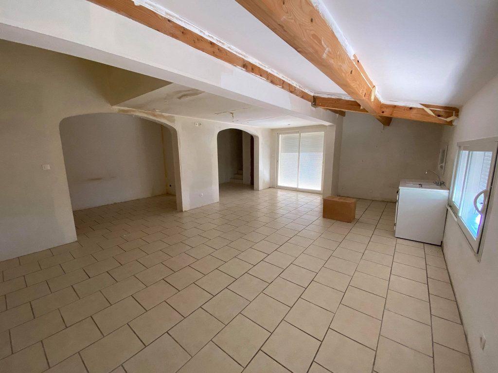 Maison à vendre 7 208m2 à La Londe-les-Maures vignette-5