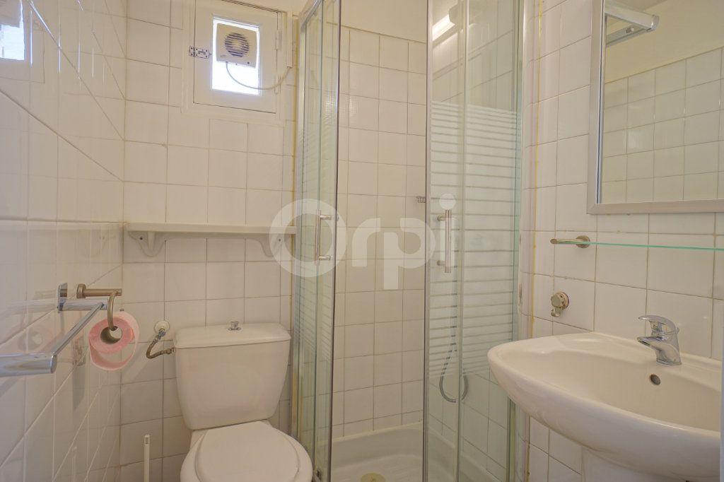 Appartement à vendre 2 30m2 à Hyères vignette-4