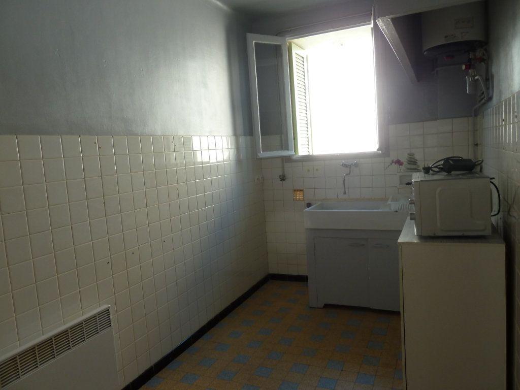 Appartement à louer 2 29.31m2 à Hyères vignette-2