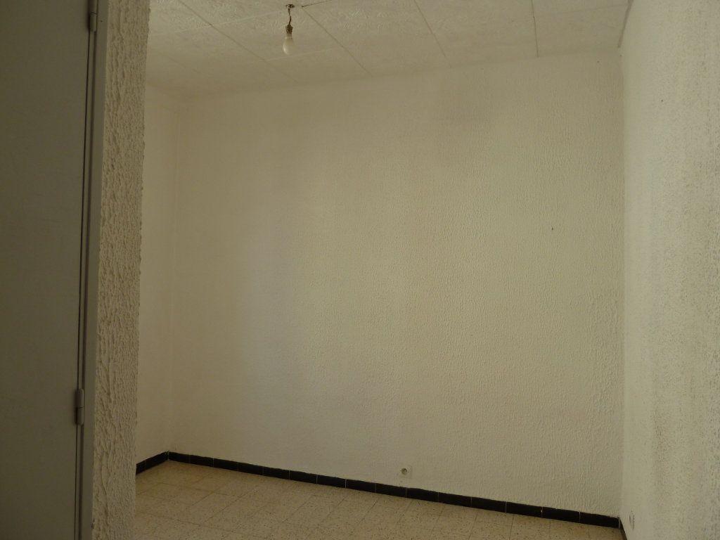 Appartement à louer 2 29.31m2 à Hyères vignette-3