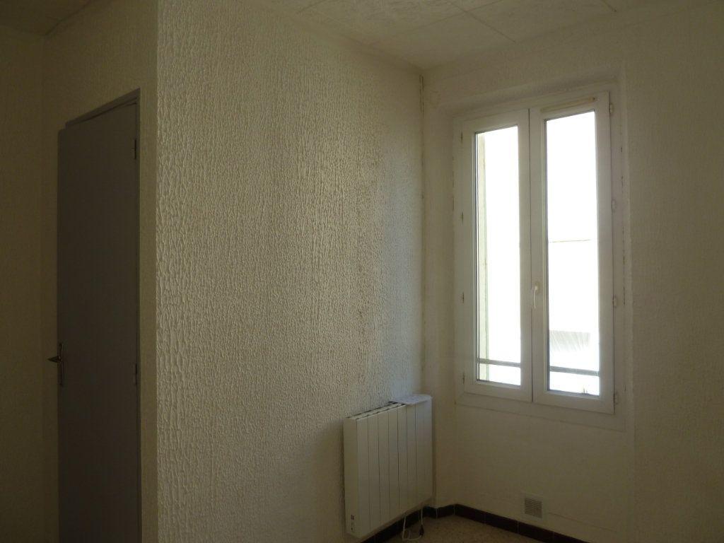 Appartement à louer 2 29.31m2 à Hyères vignette-4