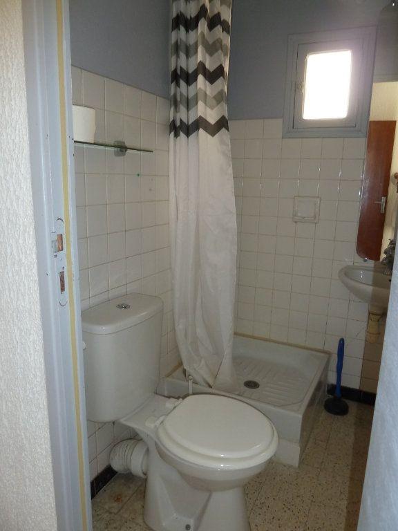 Appartement à louer 2 29.31m2 à Hyères vignette-6