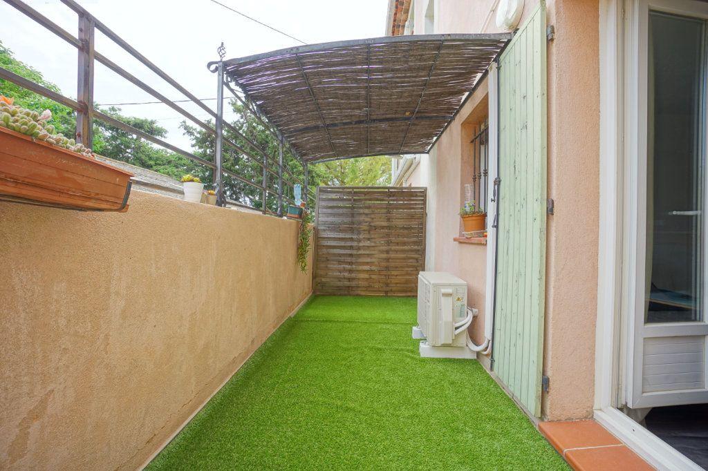 Appartement à vendre 2 38m2 à La Crau vignette-1
