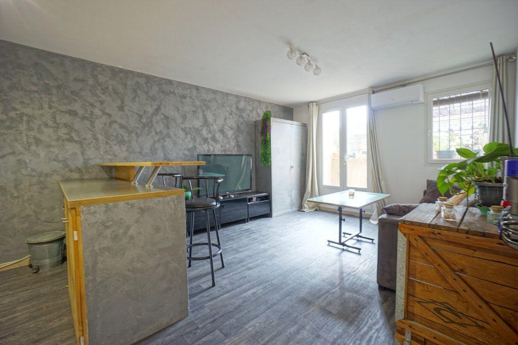 Appartement à vendre 2 38m2 à La Crau vignette-3