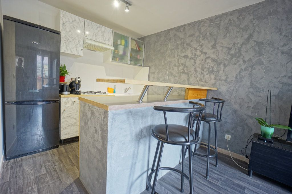 Appartement à vendre 2 38m2 à La Crau vignette-4