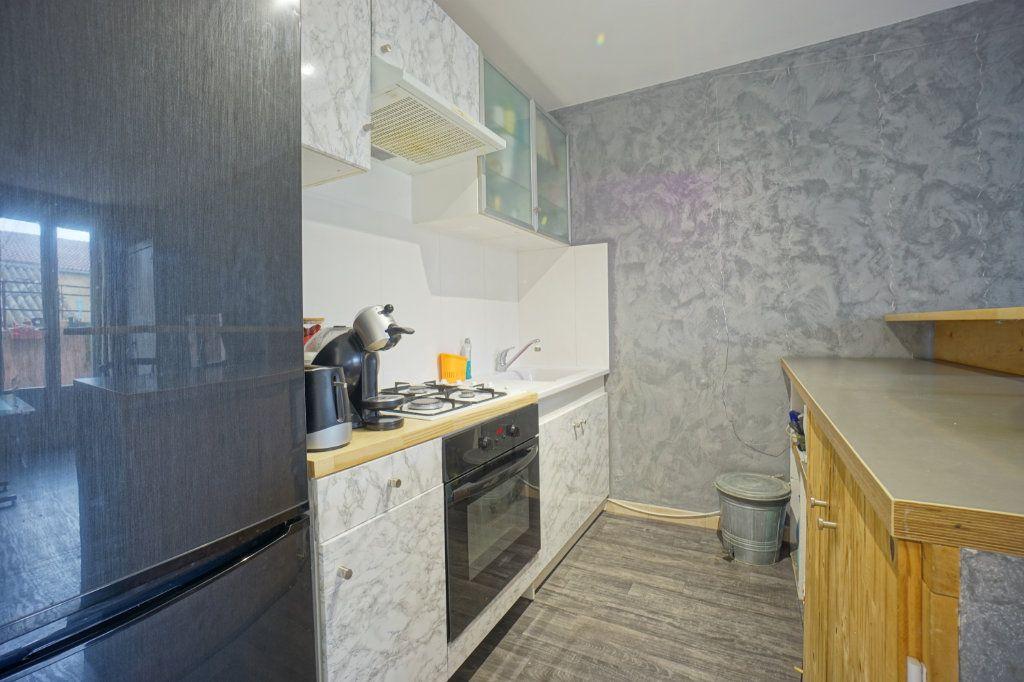 Appartement à vendre 2 38m2 à La Crau vignette-5