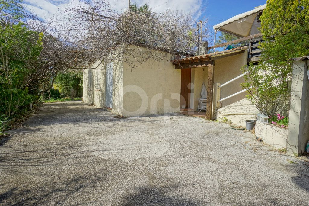 Maison à vendre 8 272m2 à Cuers vignette-13