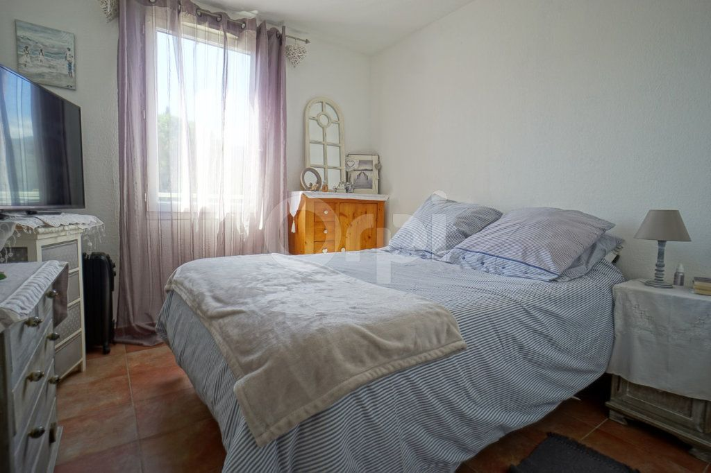 Appartement à vendre 3 56m2 à Belgentier vignette-7