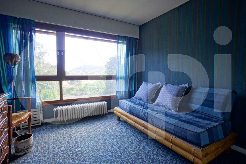 Appartement à vendre 5 162m2 à Hyères vignette-4