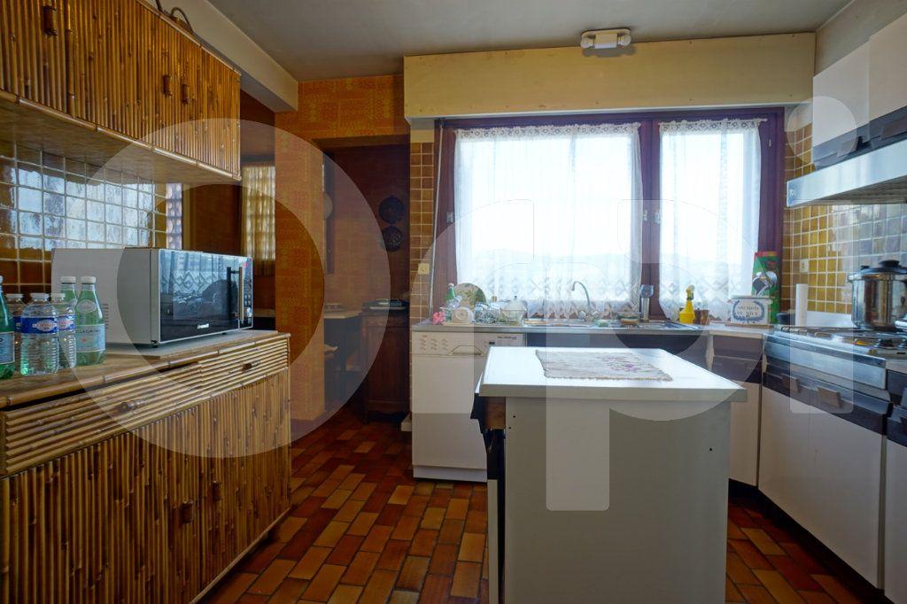 Appartement à vendre 5 162m2 à Hyères vignette-5