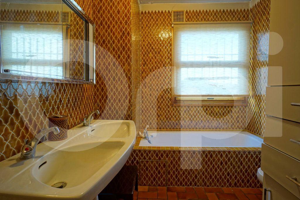 Appartement à vendre 5 162m2 à Hyères vignette-6