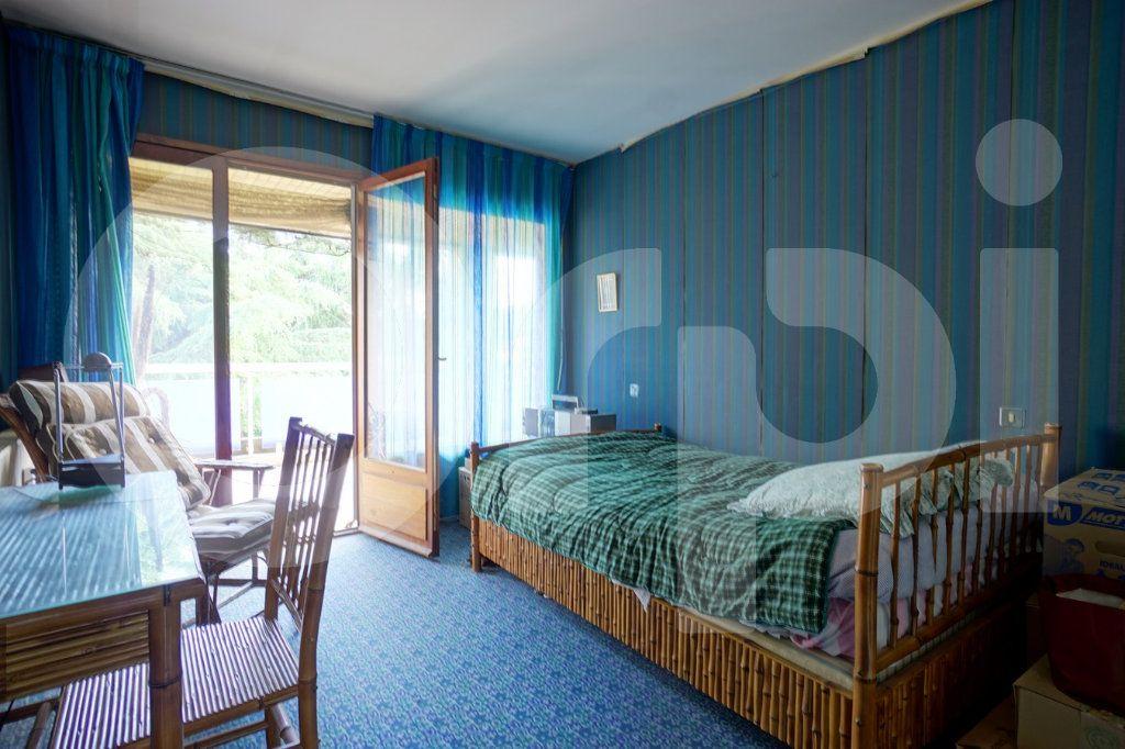 Appartement à vendre 5 162m2 à Hyères vignette-7