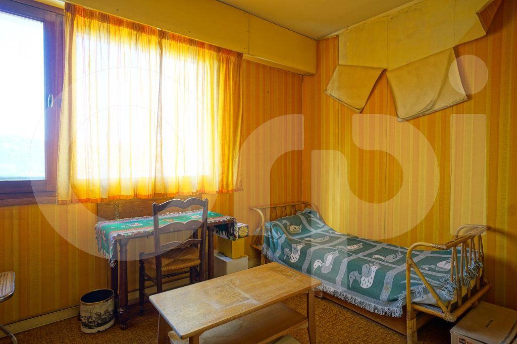 Appartement à vendre 5 162m2 à Hyères vignette-10