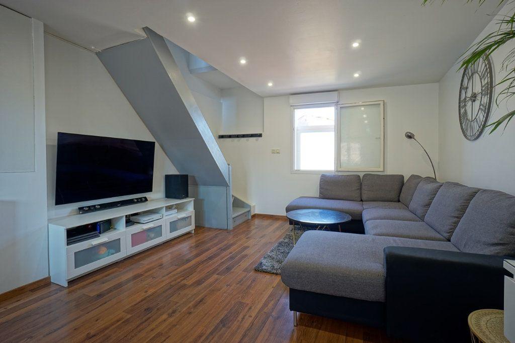 Appartement à vendre 3 56.52m2 à La Crau vignette-2