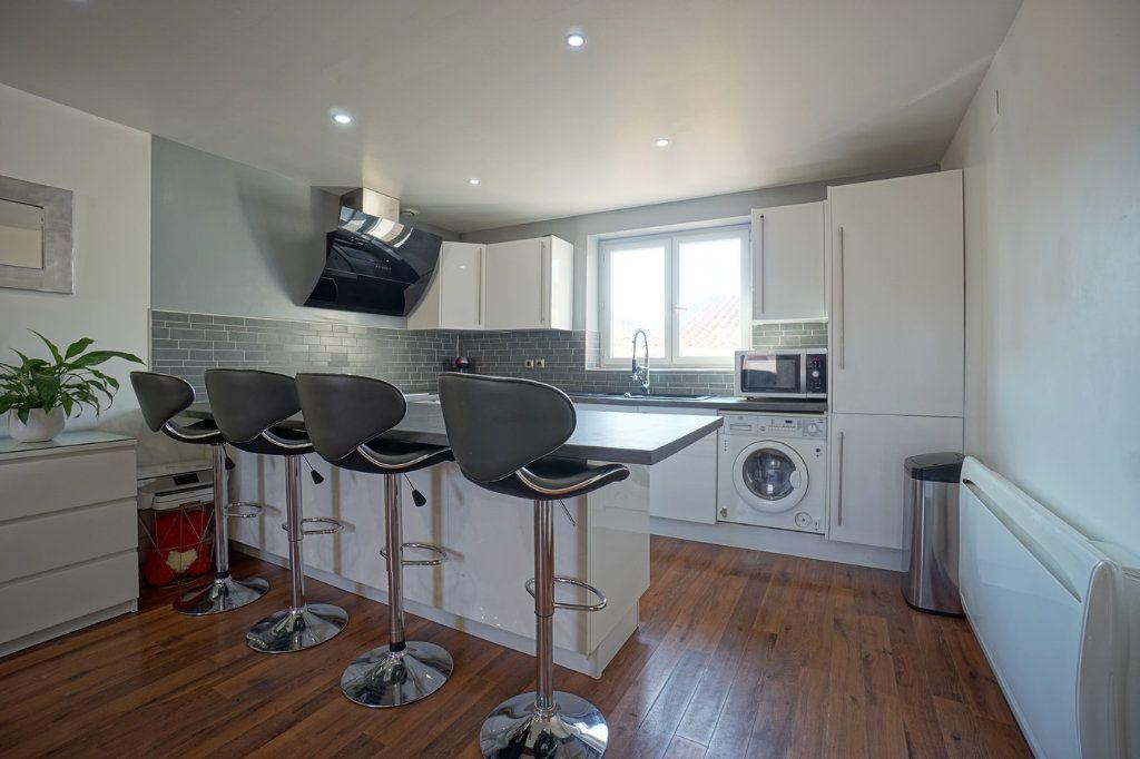 Appartement à vendre 3 56.52m2 à La Crau vignette-4