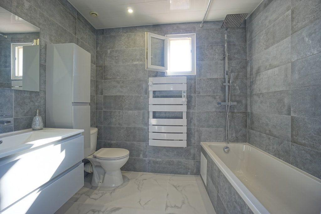 Appartement à vendre 3 56.52m2 à La Crau vignette-6