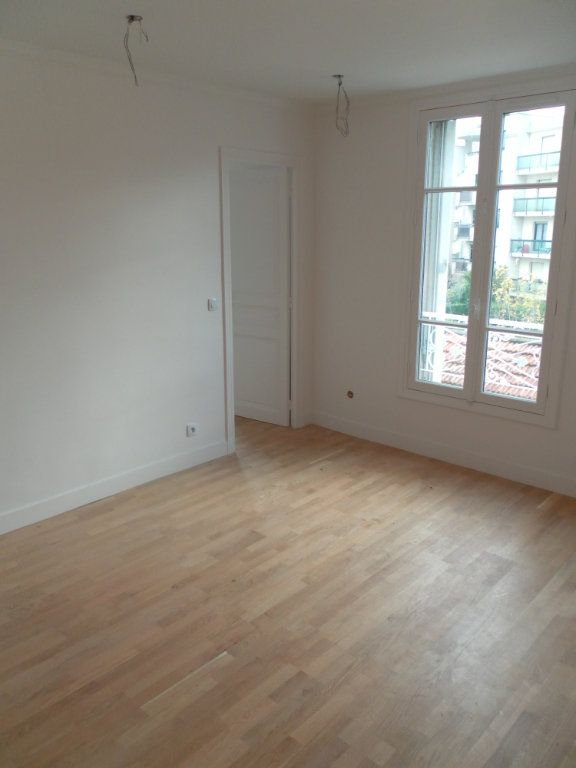 Appartement à louer 3 39.33m2 à Le Perreux-sur-Marne vignette-1