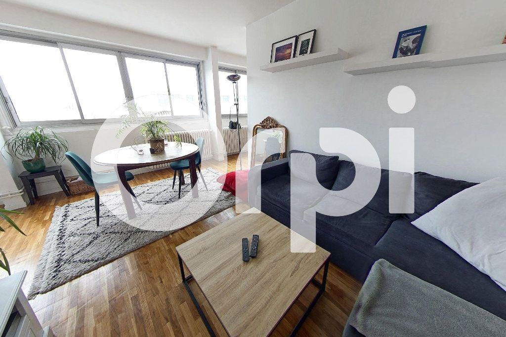 Appartement à louer 5 88.29m2 à Sèvres vignette-2