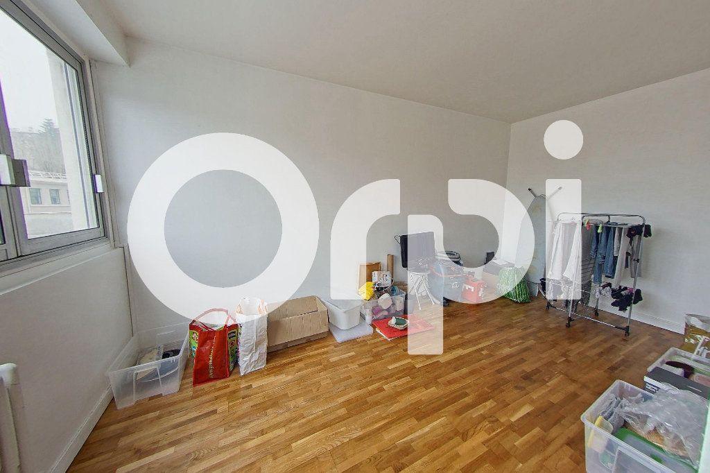 Appartement à louer 5 88.29m2 à Sèvres vignette-5